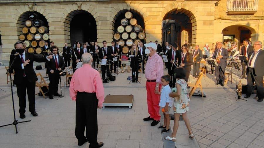 La Banda de Música de Haro homenajea a dos de sus componentes más veteranos: Pedro Rosales y Luis Fernández 4