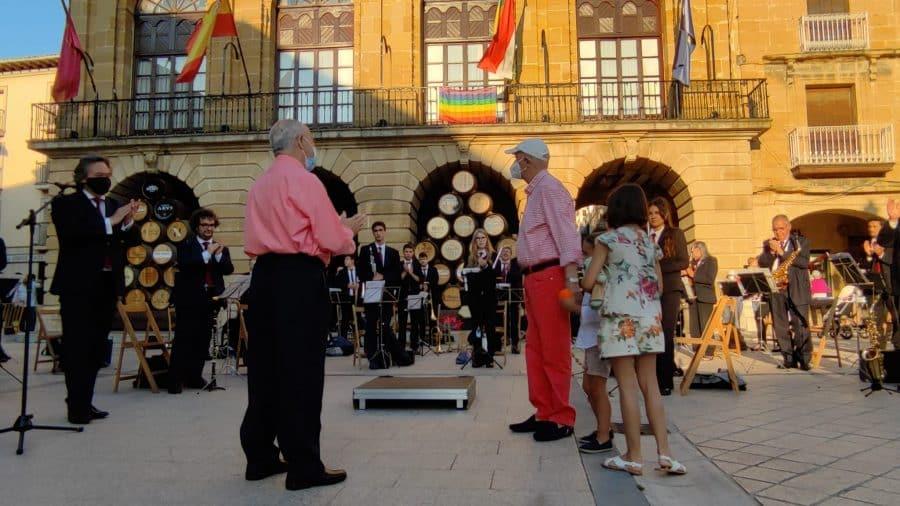 La Banda de Música de Haro homenajea a dos de sus componentes más veteranos: Pedro Rosales y Luis Fernández 3