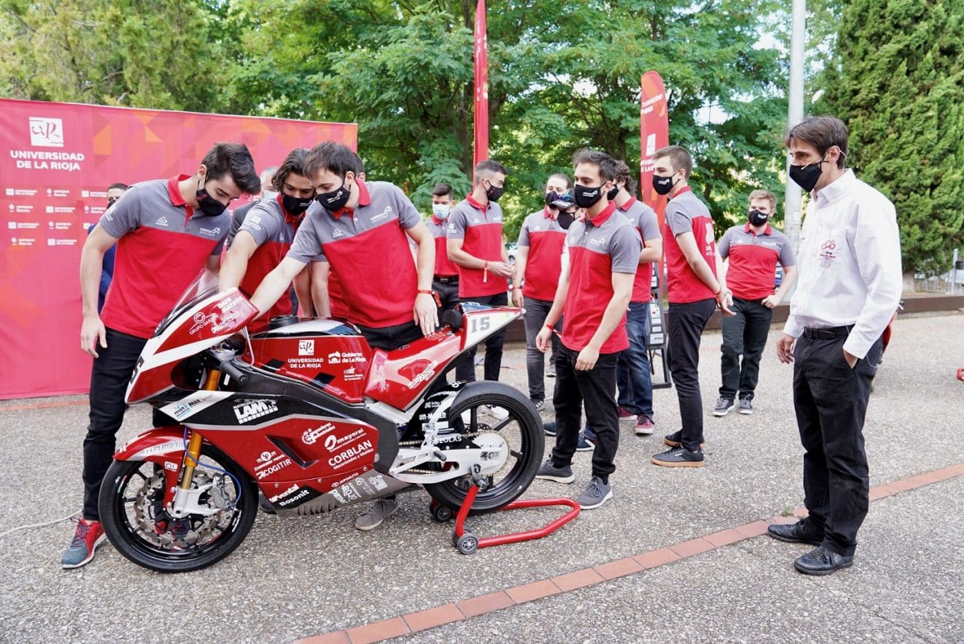 La moto eléctrica de la UR, lista para competir en el VI Certamen Internacional MotoStudent en Alcañiz 2
