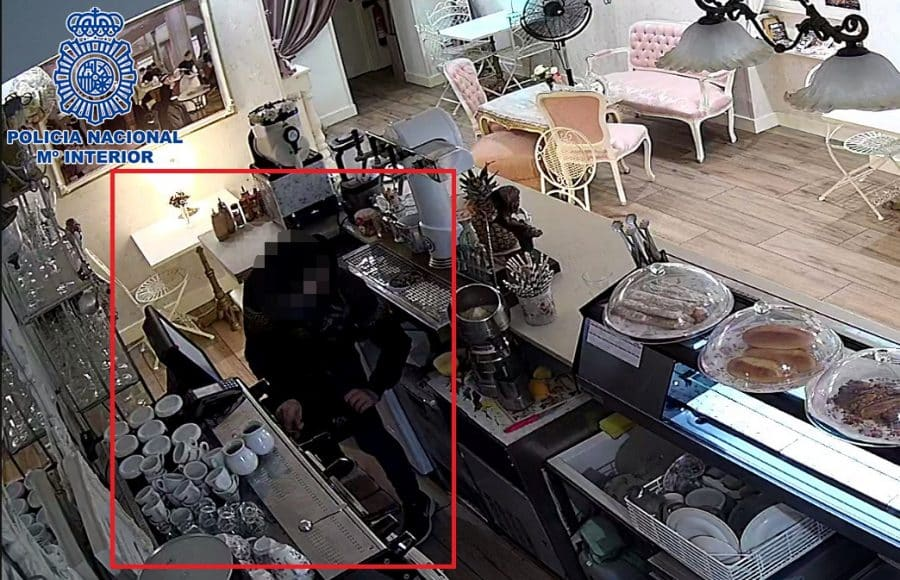 La Policía detiene a cinco jóvenes especializados en robos con fuerza en tiendas 'vending' de Logroño 2