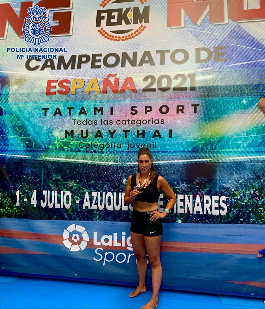La policía nacional riojana Rocío Velázquez, oro y plata en el Campeoanto de España de Kickboxing 1