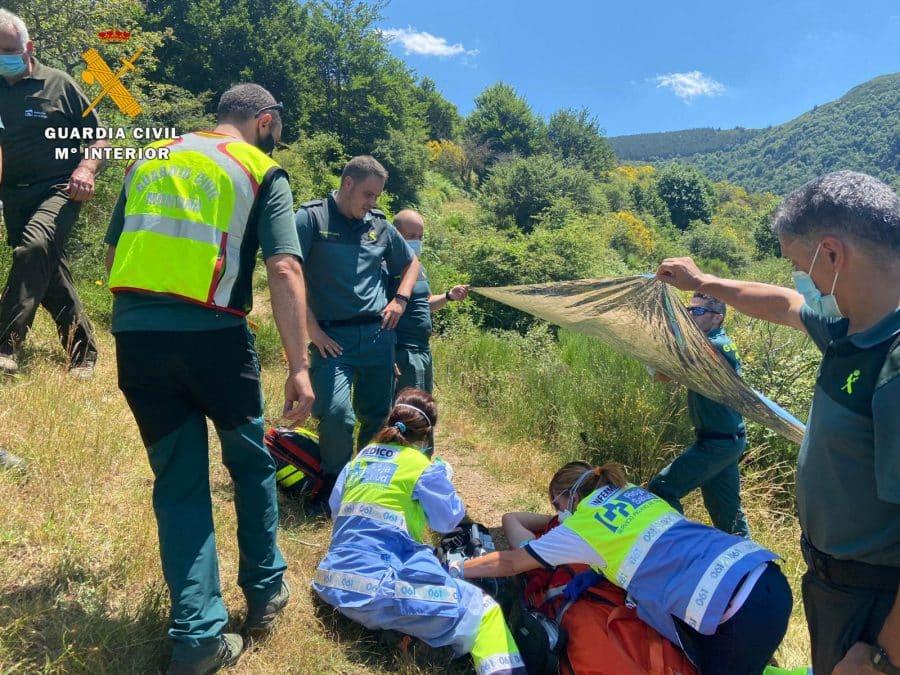 Las imágenes del rescate de un senderista en la zona de Ezcaray 2
