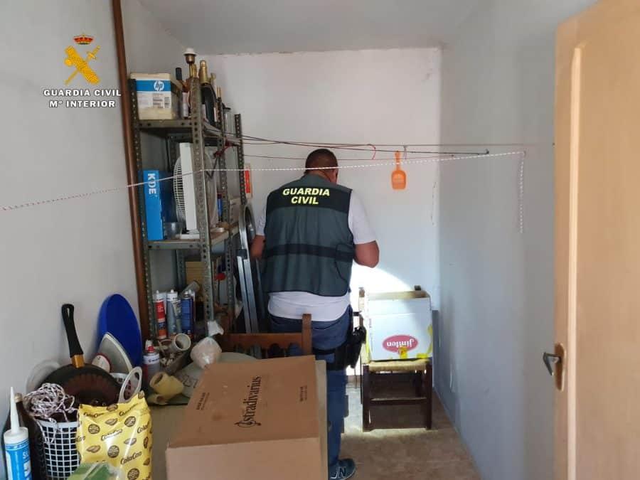 Operación 'Fianchetto': Desmantelado un punto de venta de droga en Rincón de Soto 5