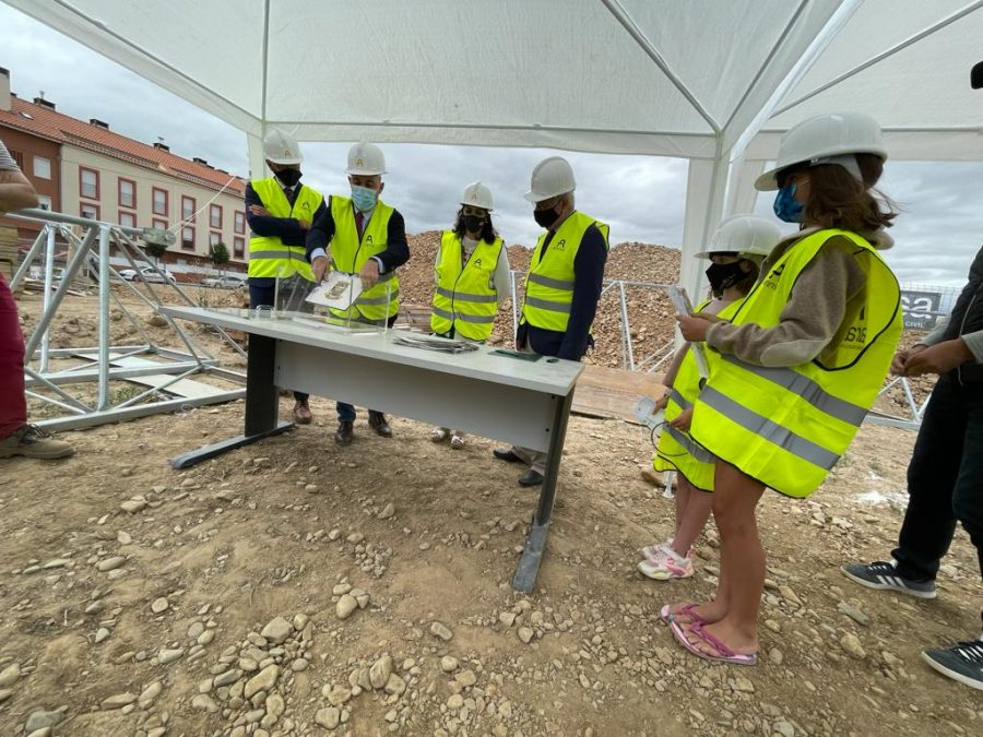 Casalarreina coloca la primera piedra de su futuro colegio que estará listo en 2023 3