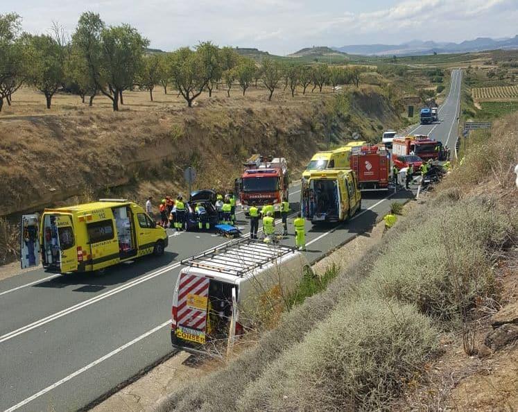 Un accidente en la N-232 obstaculiza el tráfico en Briones 2