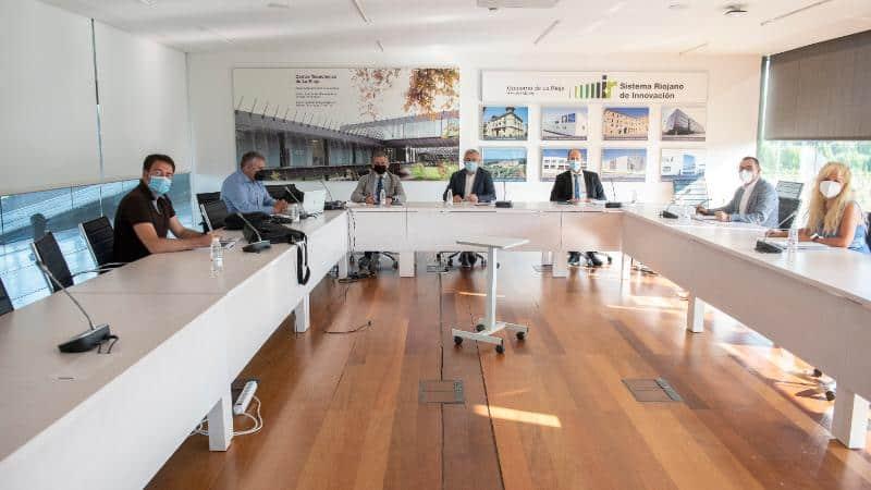 Gobierno riojano y Valdezcaray se ponen manos a la obra para la reconversión turística de la estación y su entorno 1