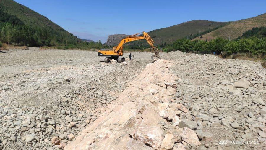 Arrancan en Ezcaray las obras para mejorar el abastecimiento de agua a la Mancomunidad de la Esperanza 1