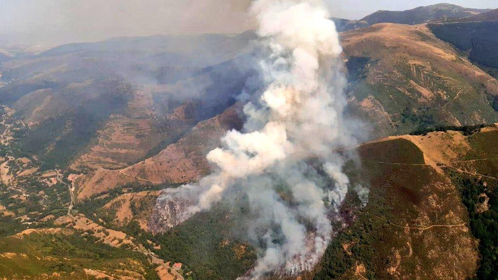 Incendio forestal en las inmediaciones de Ezcaray 1