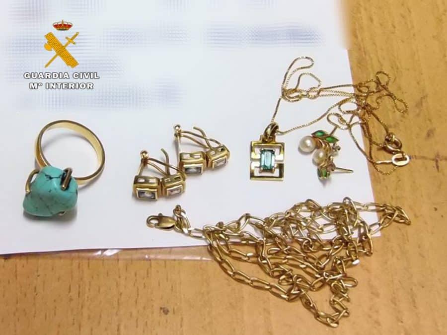 Investigada una empleada del hogar por el robo de joyas en Calahorra 2