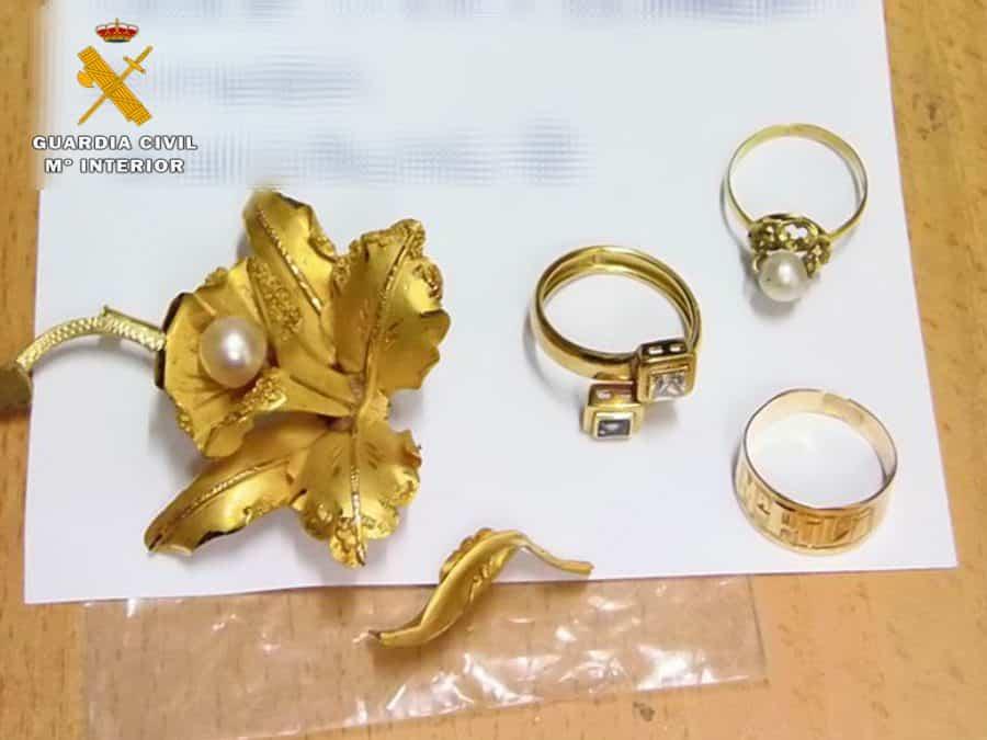 Investigada una empleada del hogar por el robo de joyas en Calahorra 1
