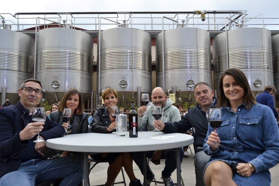 Bodega Arca de Noé presenta su nuevo vino en buena compañía 1