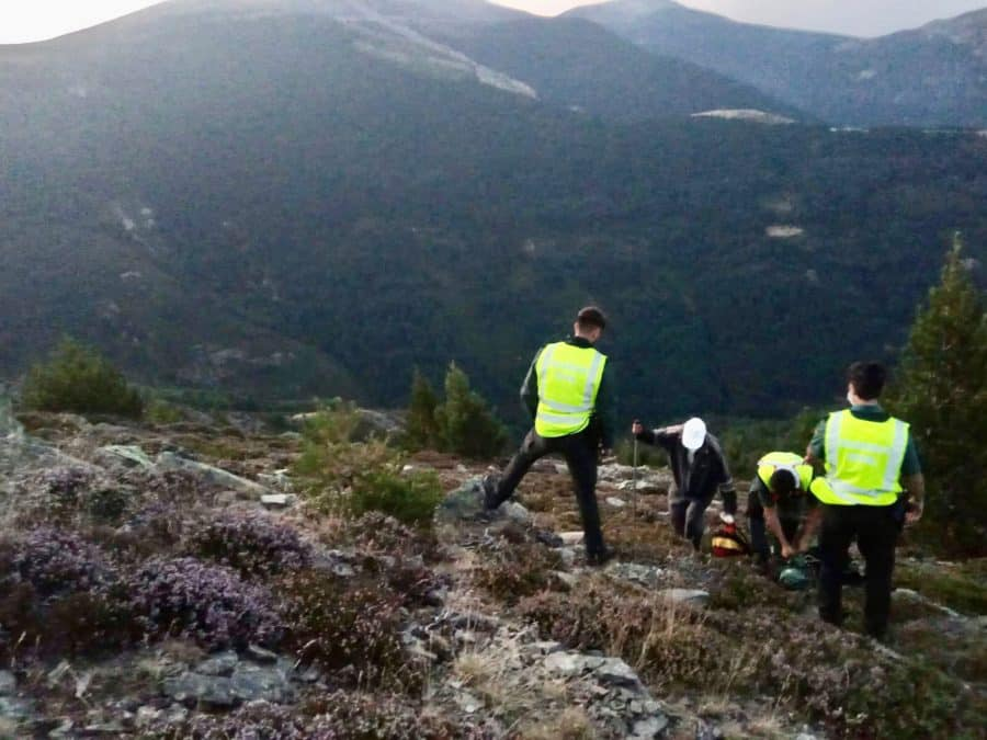 La Guardia Civil localiza a un fraile que se había perdido en el pico San Lorenzo 2