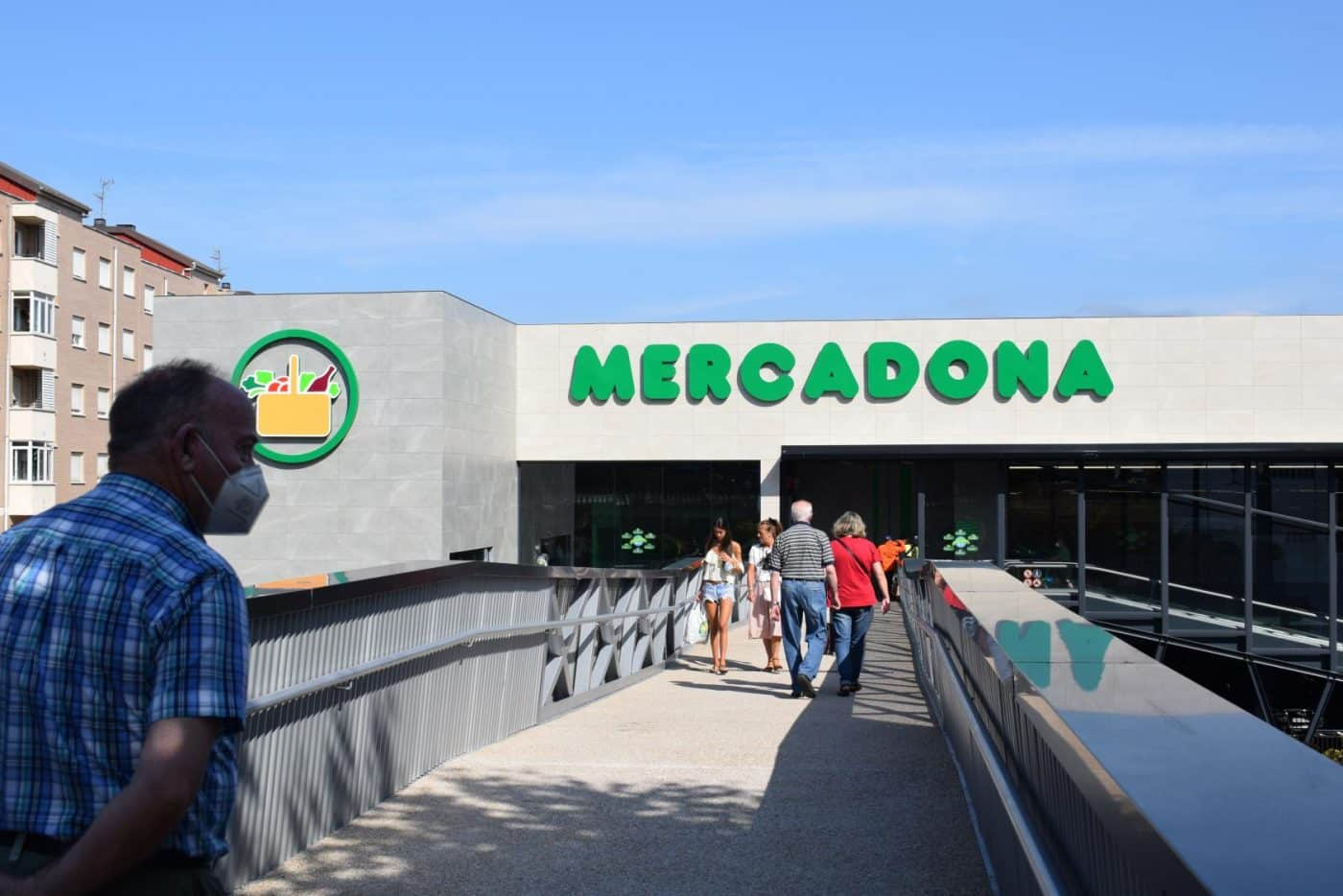Mercadona inaugura en Haro su nuevo supermercado 'eficiente': 6 millones de euros de inversión 9