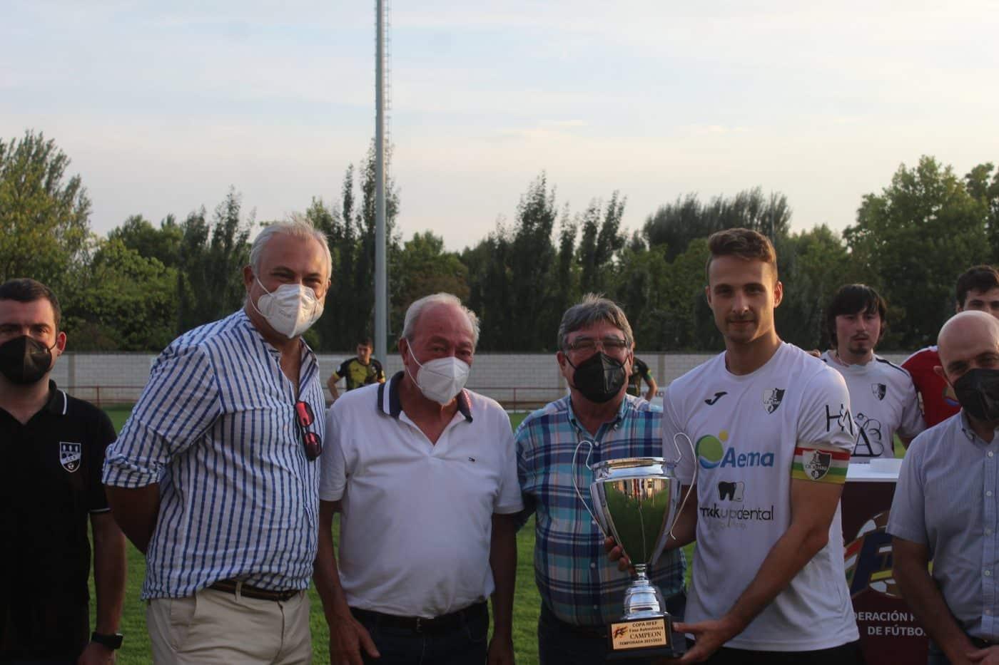 El Alfaro alza el trofeo regional de la Copa RFEF ante el Casalarreina 1