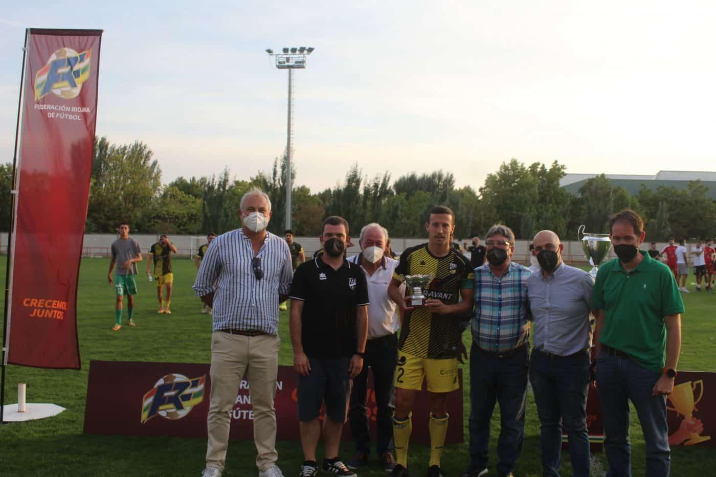 El Alfaro alza el trofeo regional de la Copa RFEF ante el Casalarreina 3