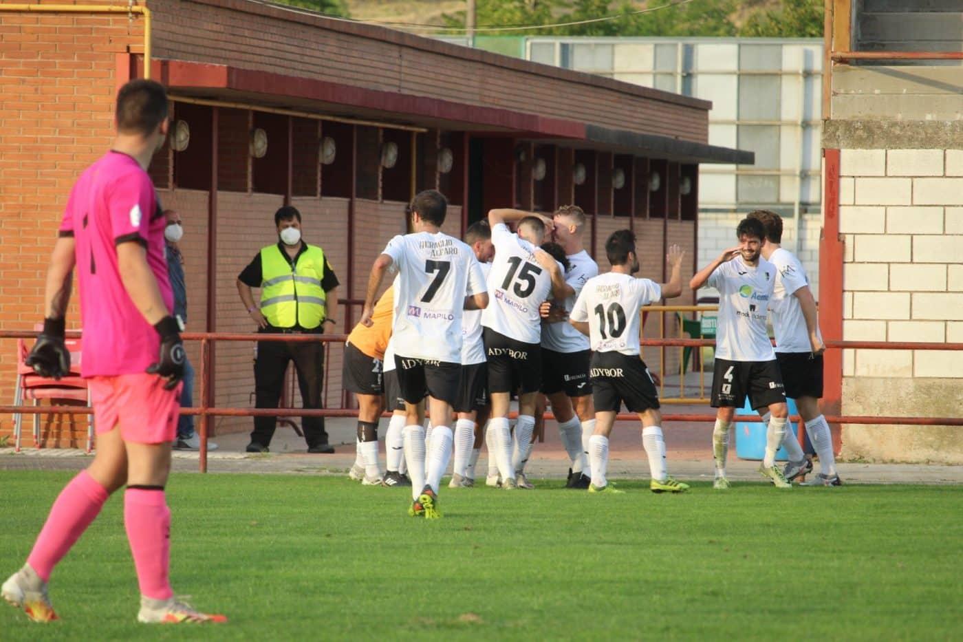 El Alfaro alza el trofeo regional de la Copa RFEF ante el Casalarreina 6