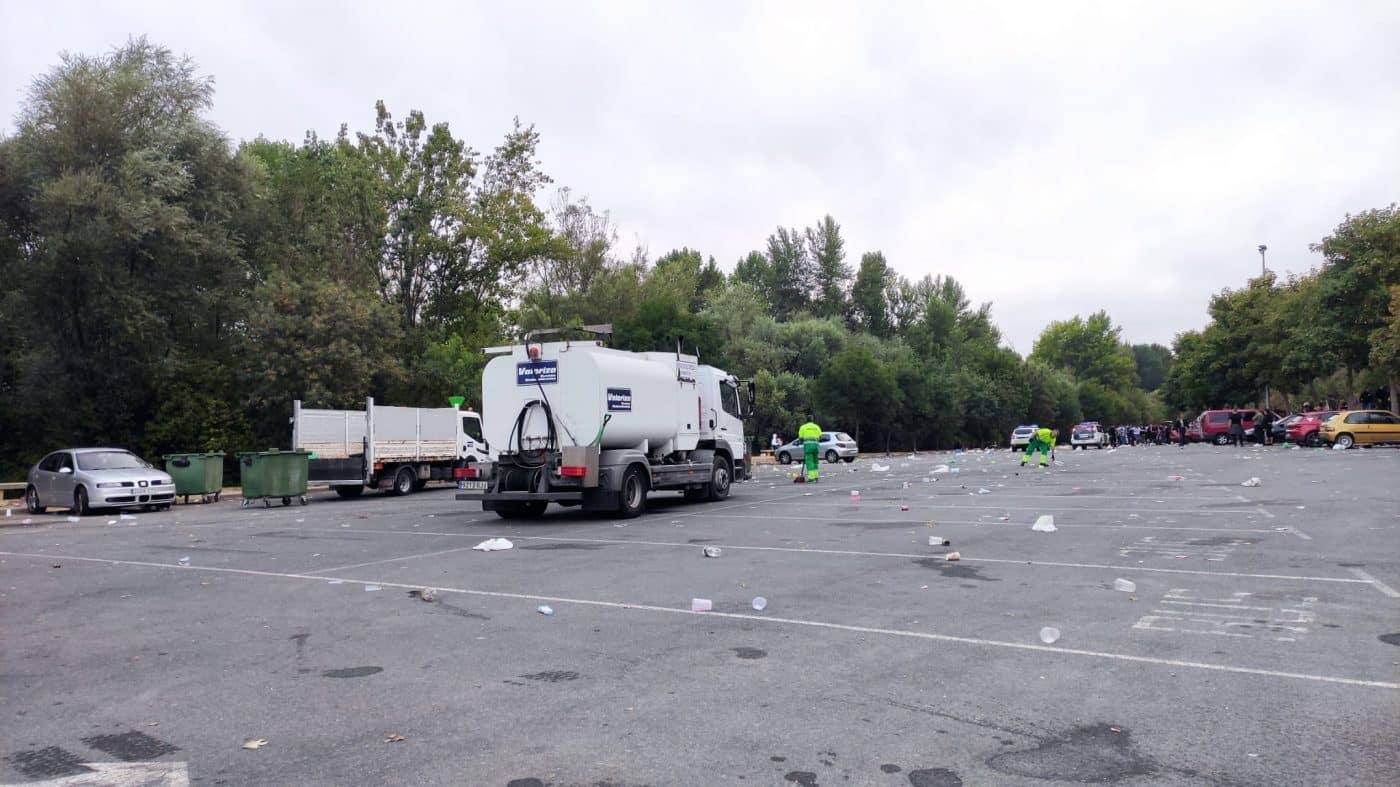 Desalojan un botellón con más de 1.000 personas en Logroño 5