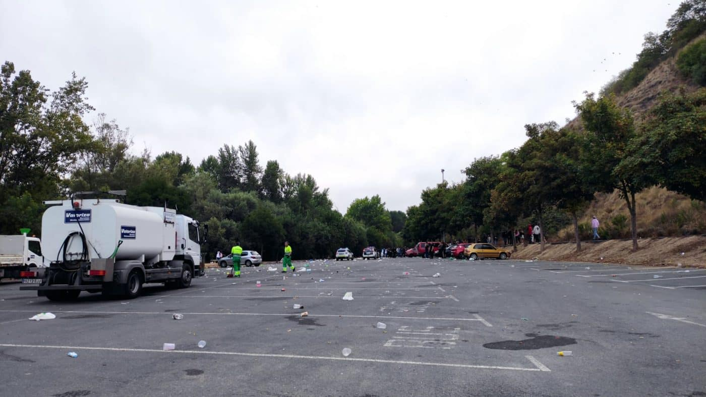 Desalojan un botellón con más de 1.000 personas en Logroño 6
