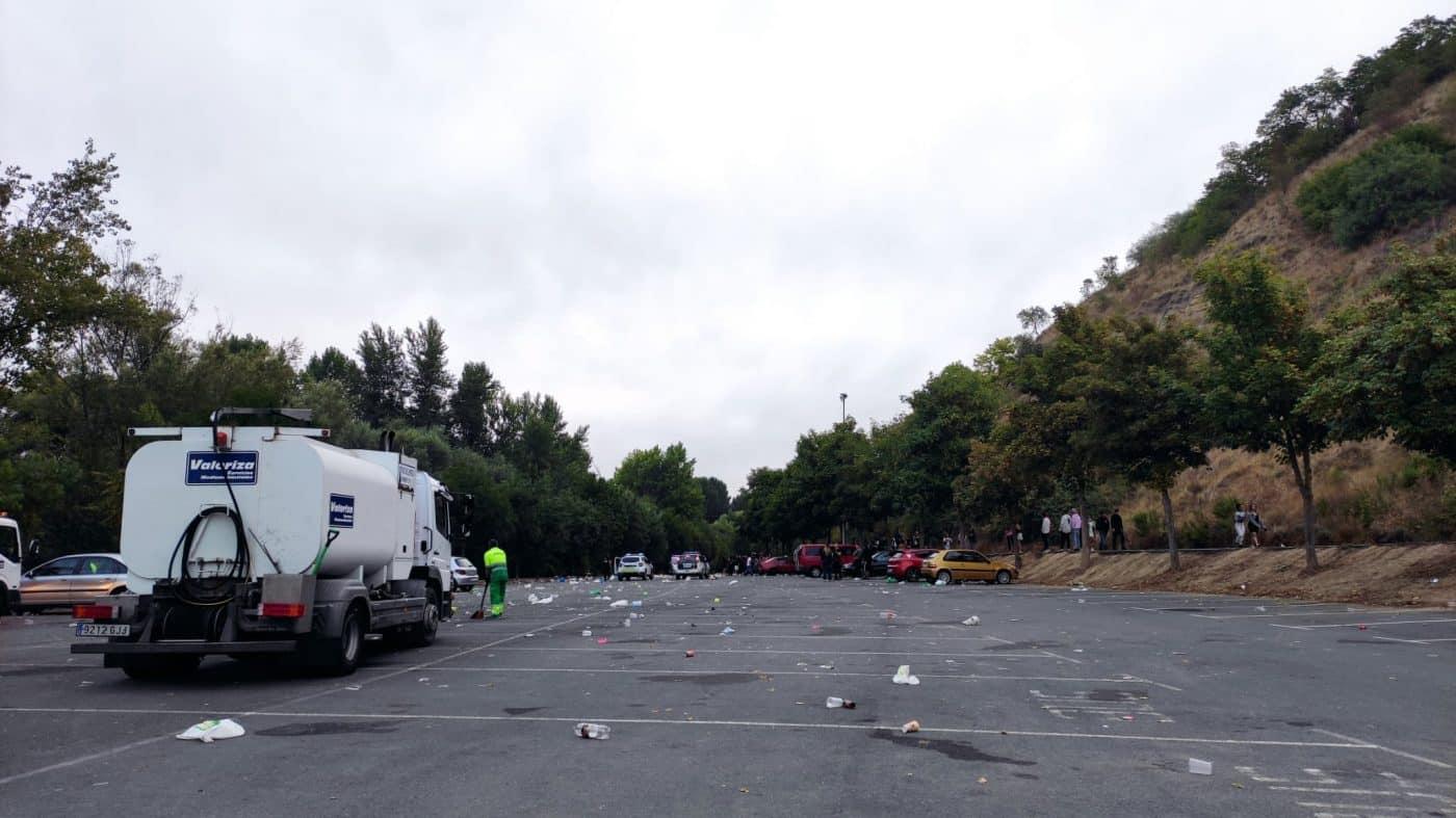 Desalojan un botellón con más de 1.000 personas en Logroño 7