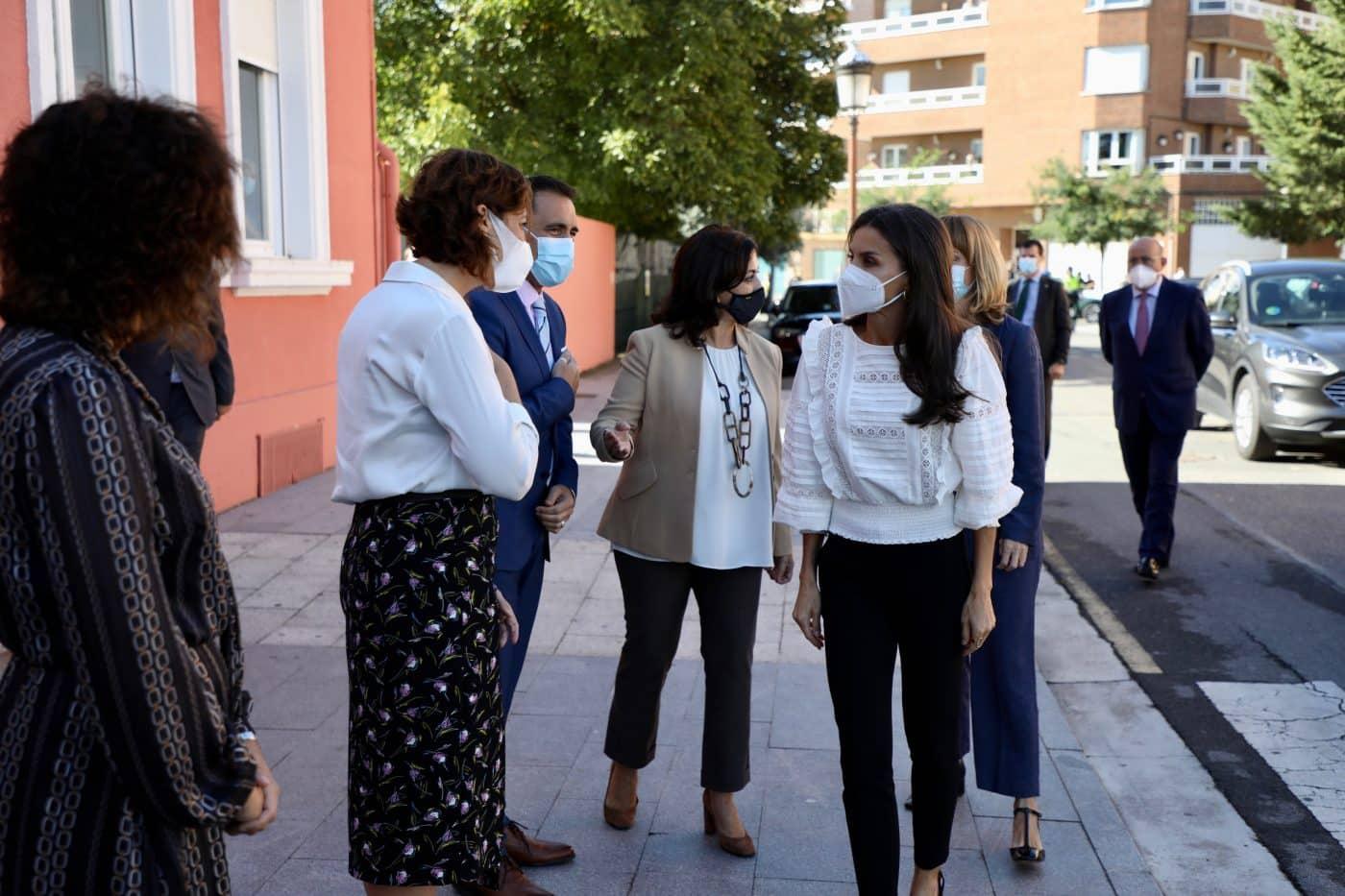 La reina Letizia preside en Haro la apertura del curso de FP 10
