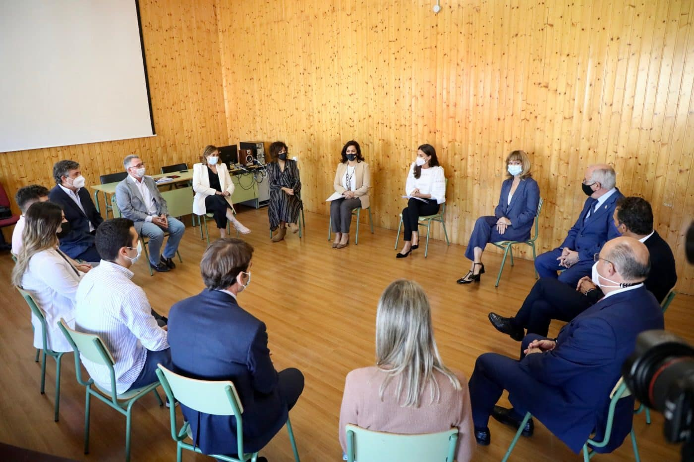 La reina Letizia preside en Haro la apertura del curso de FP 7