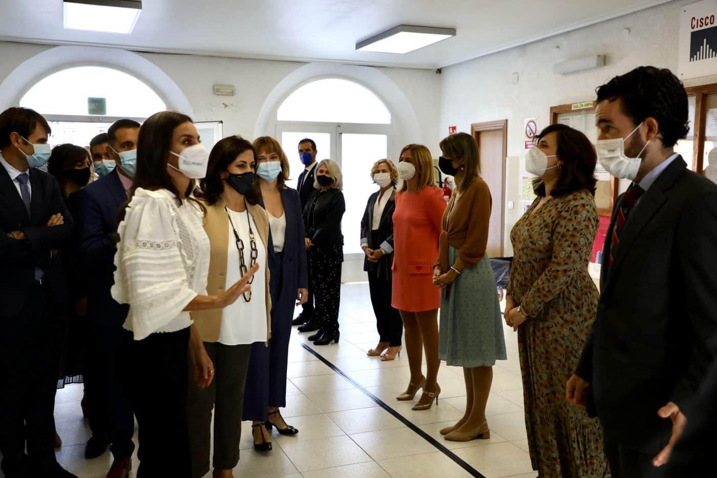 La reina Letizia preside en Haro la apertura del curso de FP 5