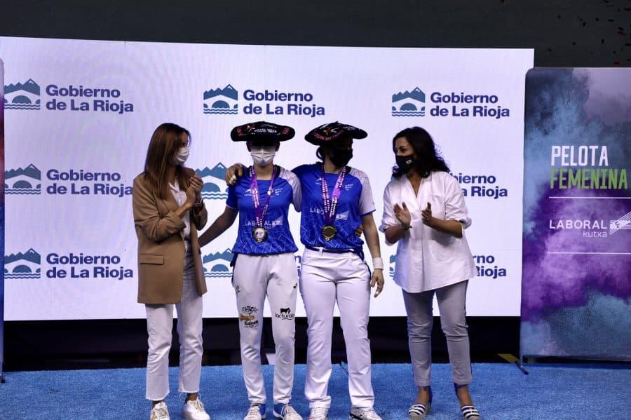 Ana Belmonte y Leire Galeano, campeonas de pelota 'goxua' del Torneo San Mateo de pelota femenina 4