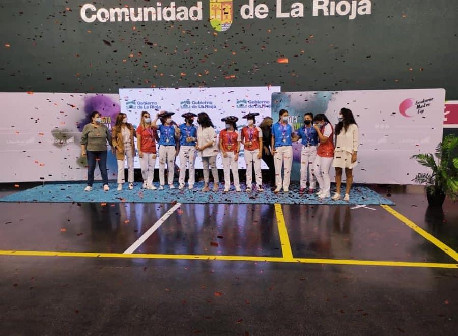 Ana Belmonte y Leire Galeano, campeonas de pelota 'goxua' del Torneo San Mateo de pelota femenina 10