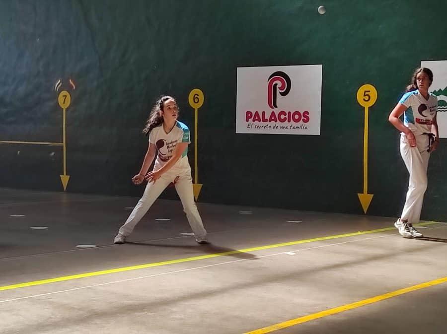 Ana Belmonte y Leire Galeano, a la final del Torneo San Mateo de Pelota Femenina 1