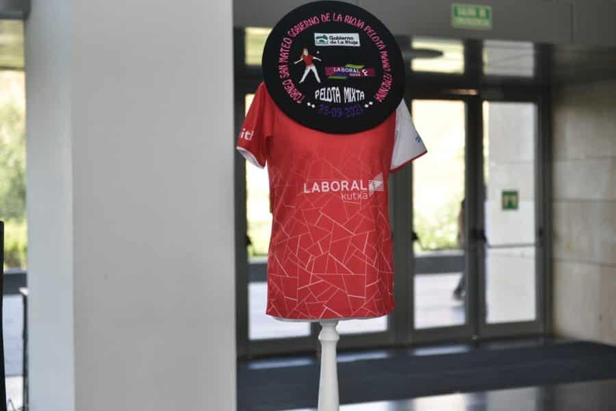 La Rioja presenta el primer Torneo San Mateo de Pelota Femenina, que pasará por Baños de Río Tobía, Nájera y Logroño 4