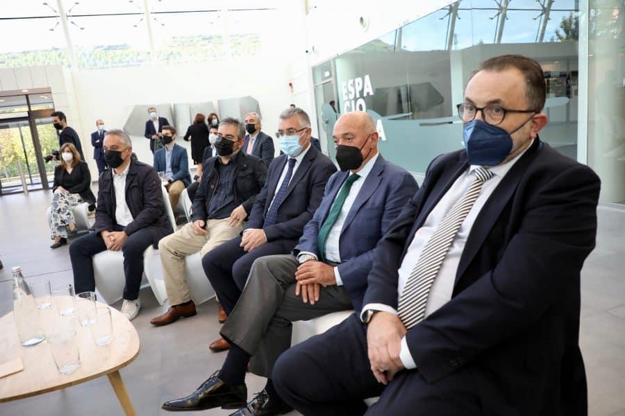 """Andreu apela junto a Calviño a la """"cooperación"""" de las empresas para """"construir juntos La Rioja del futuro"""" 4"""