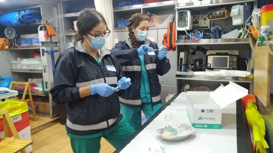 El punto de vacunación itinerante inicia su misión en Cenicero 3