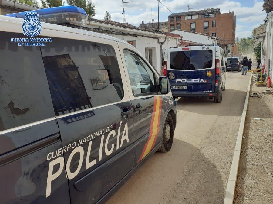 La Policía detiene a cuatro personas tras desmantelar una plantación de marihuana en Logroño 4