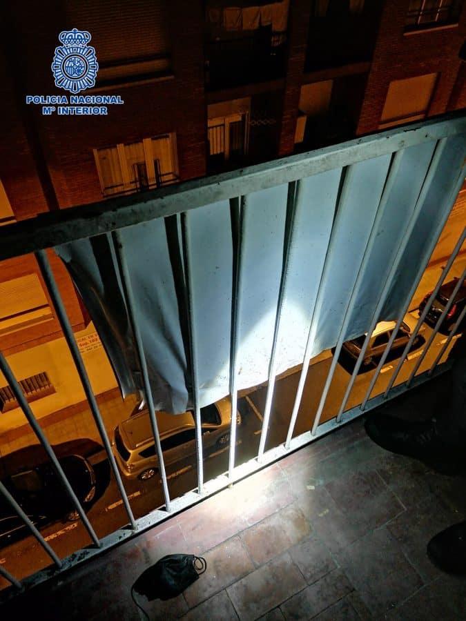 La Policía salva a un ladrón cuando intentaba robar en una vivienda en Logroño y escapar por la terraza 1