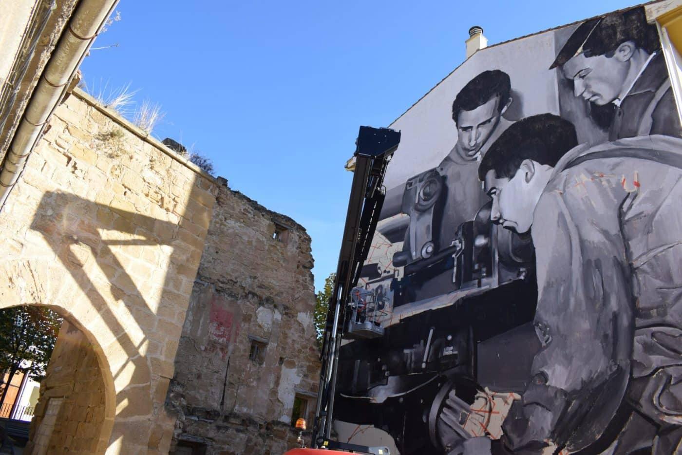 """""""Los vecinos están encantados con el trabajo de los muralistas en el Casco Antiguo"""" 1"""