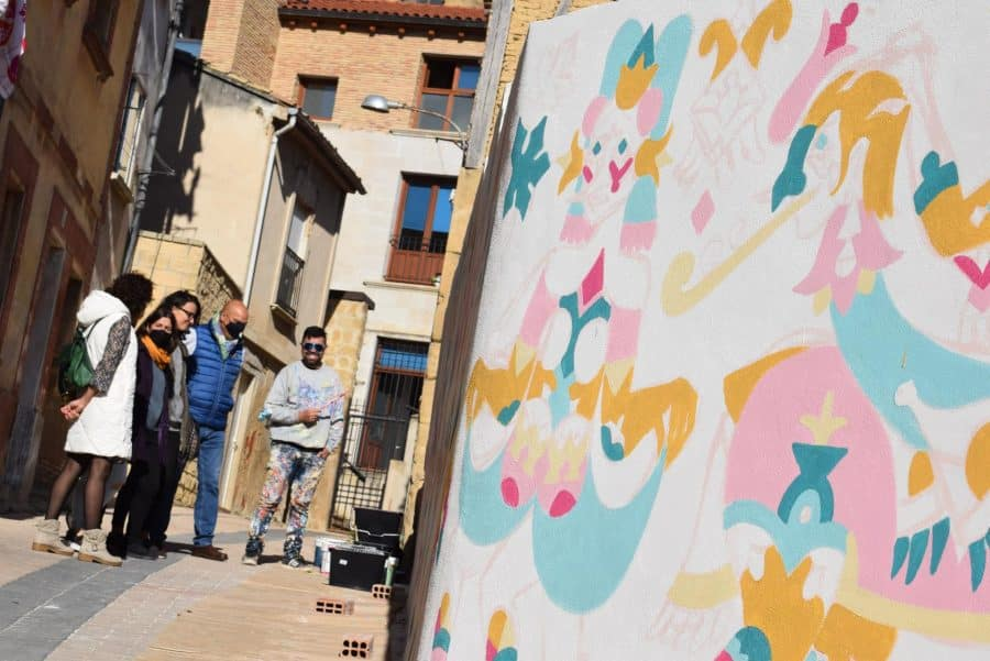 """""""Los vecinos están encantados con el trabajo de los muralistas en el Casco Antiguo"""" 5"""