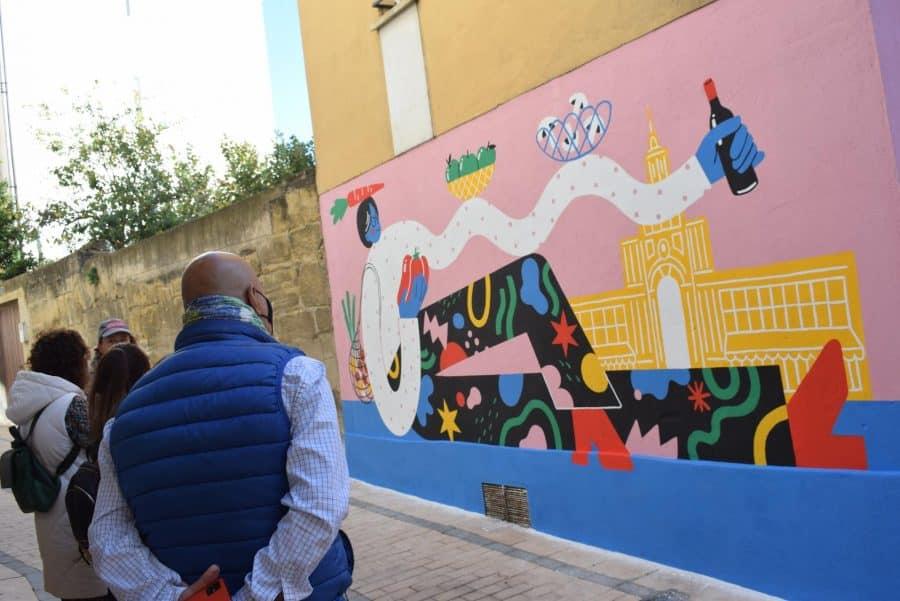 """""""Los vecinos están encantados con el trabajo de los muralistas en el Casco Antiguo"""" 2"""