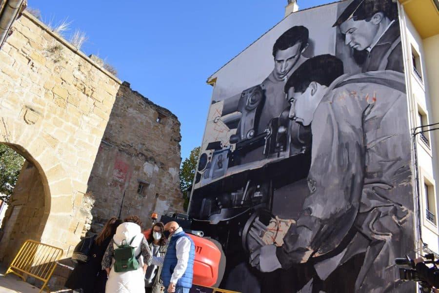 """""""Los vecinos están encantados con el trabajo de los muralistas en el Casco Antiguo"""" 10"""