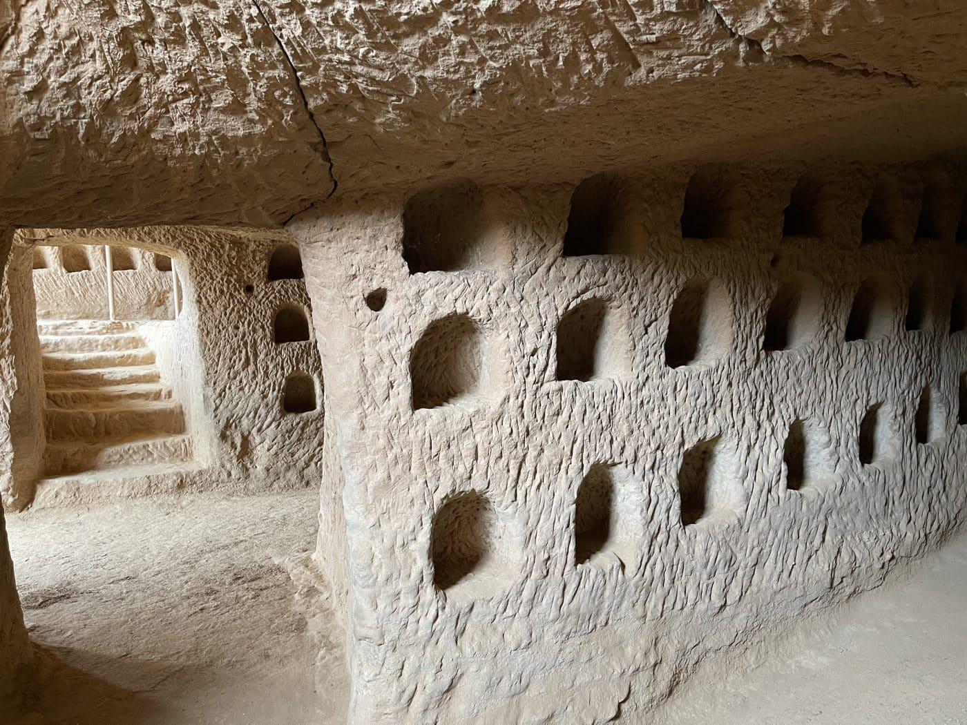 Nalda pone a punto su conjunto de cuevas de Los Palomares 2